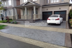The 2017 Silver Award for Best Bomanite Imprint Project under 12,000 SF was awarded to our associate Bomanite Toronto for their expert installation of the Bomacron Yorkshire Stone imprint pattern to create this stunning, eye-catching design that beautifully enhances the driveway and front patio at this Burlington, Ontario residence.